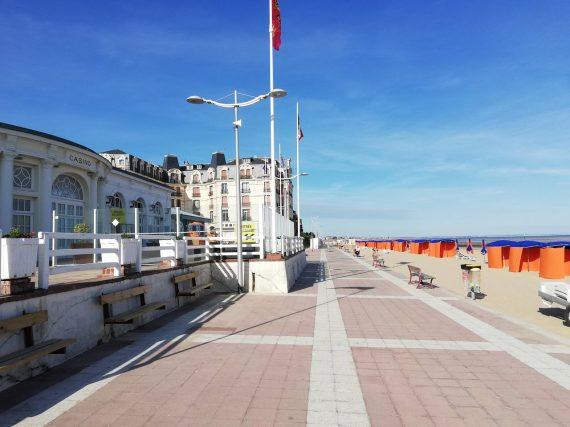 promenade_roland_garros_camping_de_la_plage_houlgate